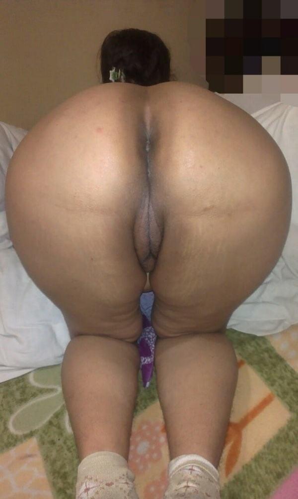 desi big ass hot sexy aunty photo round booty - 13