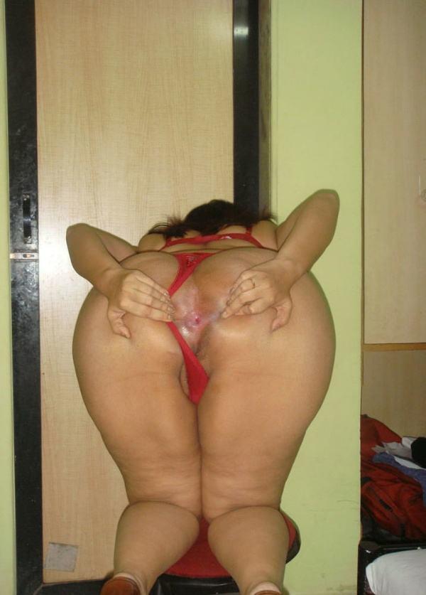 desi big ass hot sexy aunty photo round booty - 17