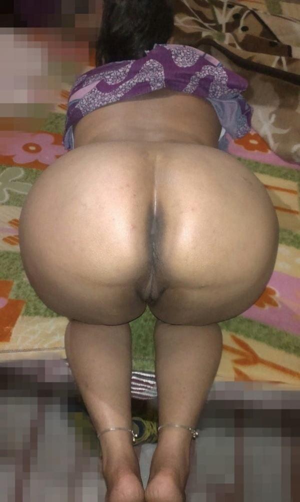 desi big ass hot sexy aunty photo round booty - 21