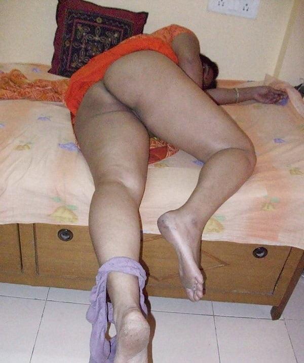 desi big ass hot sexy aunty photo round booty - 23
