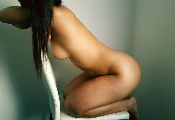 desi leaked xxx bhabhi photo sexy boobs ass - 2