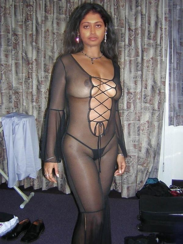 desi leaked xxx bhabhi photo sexy boobs ass - 43