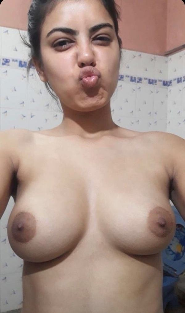 hypnotic sexy boobs pics of indian girls - 14