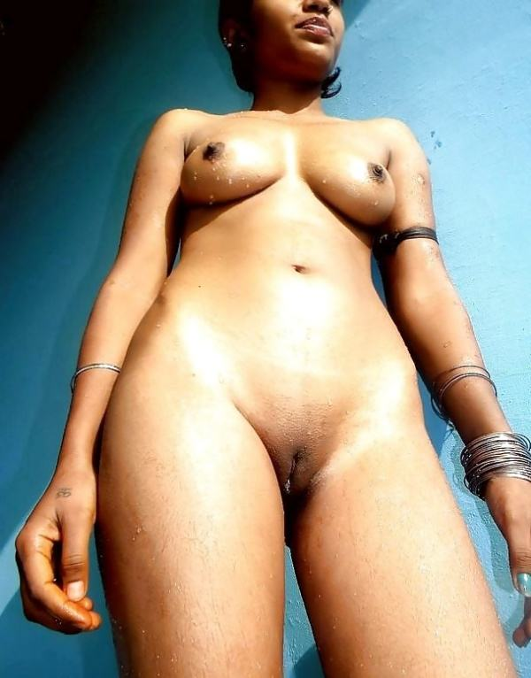 hypnotic sexy boobs pics of indian girls - 28