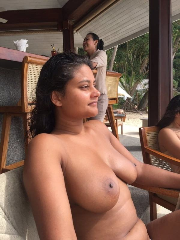 hypnotic sexy boobs pics of indian girls - 44