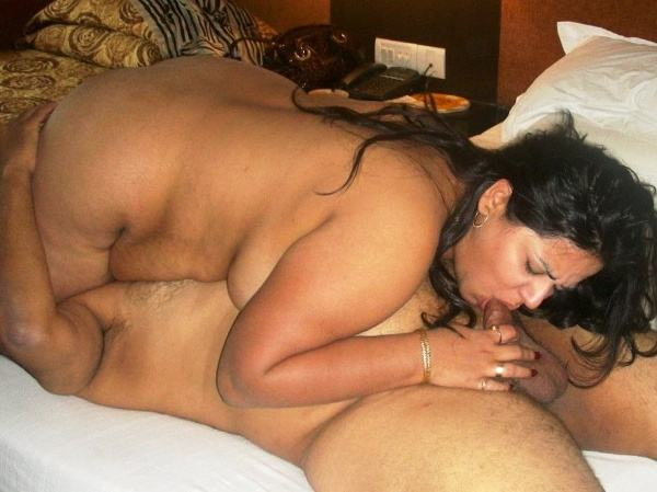 indian aunty blowjob pics sucking lovers cock - 24