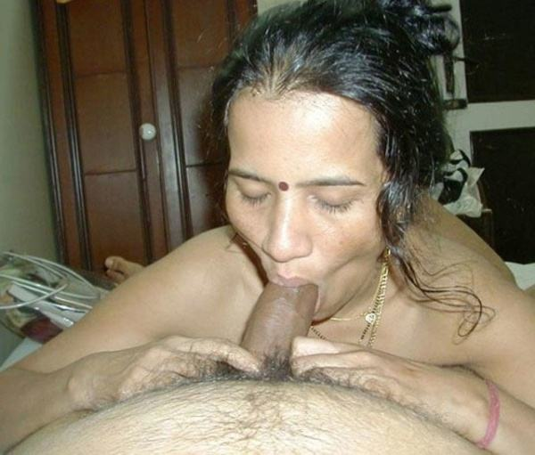 indian aunty blowjob pics sucking lovers cock - 31