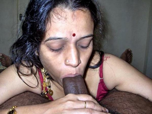 indian aunty blowjob pics sucking lovers cock - 32