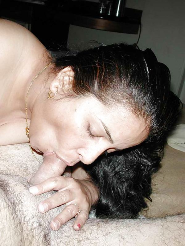indian aunty blowjob pics sucking lovers cock - 50