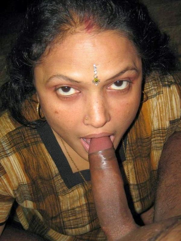 indian aunty blowjob pics sucking lovers cock - 52