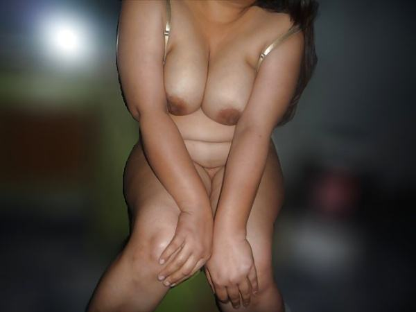 juicy indian big boobs images aunties bhabhi - 1