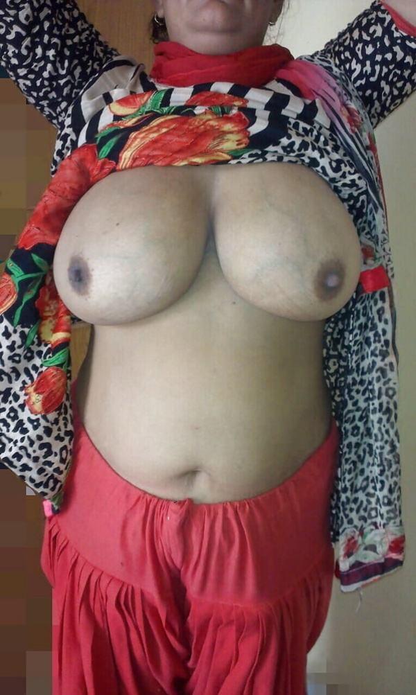 juicy indian big boobs images aunties bhabhi - 50