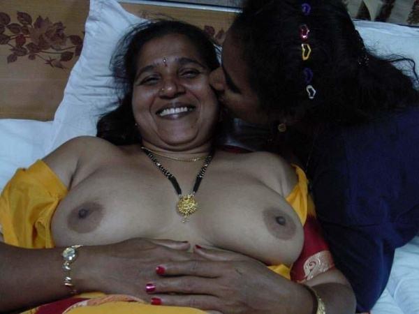 juicy indian big tite photo xxx gallery boobs - 3