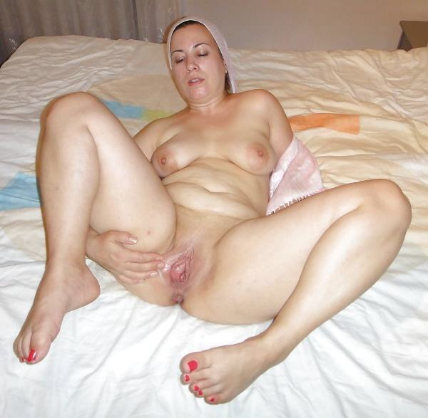 mature muslim aunty nude pictures booty boobs - 10