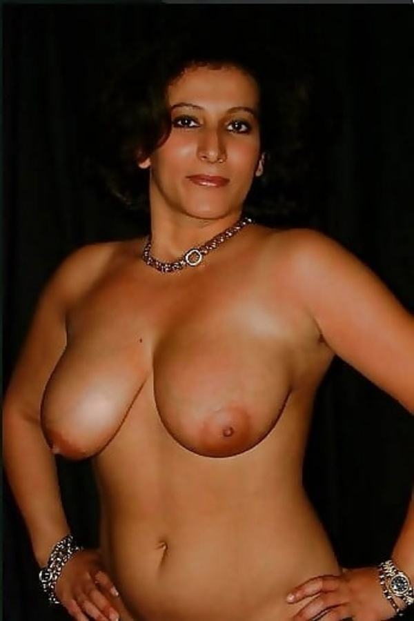 mature muslim aunty nude pictures booty boobs - 8