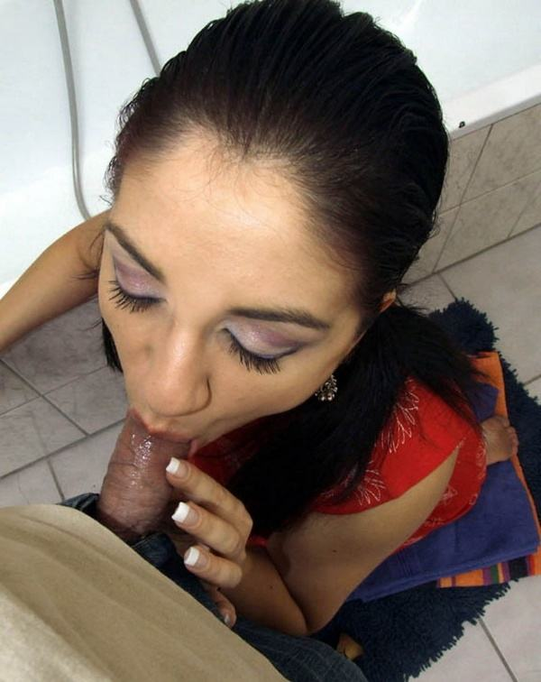 scandalous housewives sucking dick images - 38
