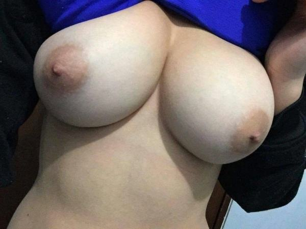 sexy indian girls xxx nudes of boobs pics - 5