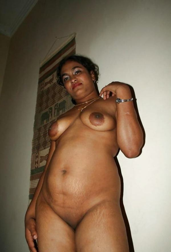 sexy indian village aunty naked photo - 20