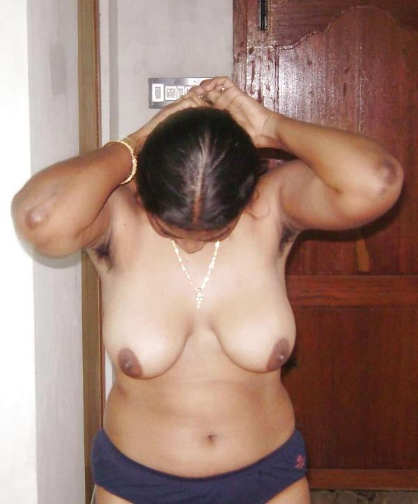 sexy indian village aunty naked photo - 23