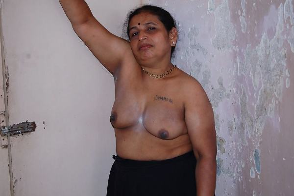 sexy indian village aunty naked photo - 3