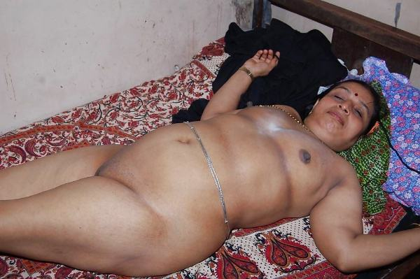 sexy indian village aunty naked photo - 30