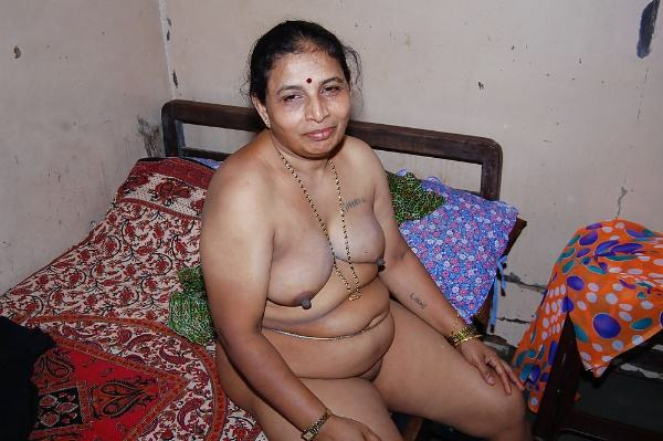 sexy indian village aunty naked photo - 32