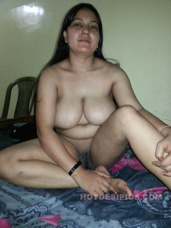 sexy indian village aunty naked photo - 35