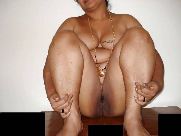 sexy indian village aunty naked photo - 4