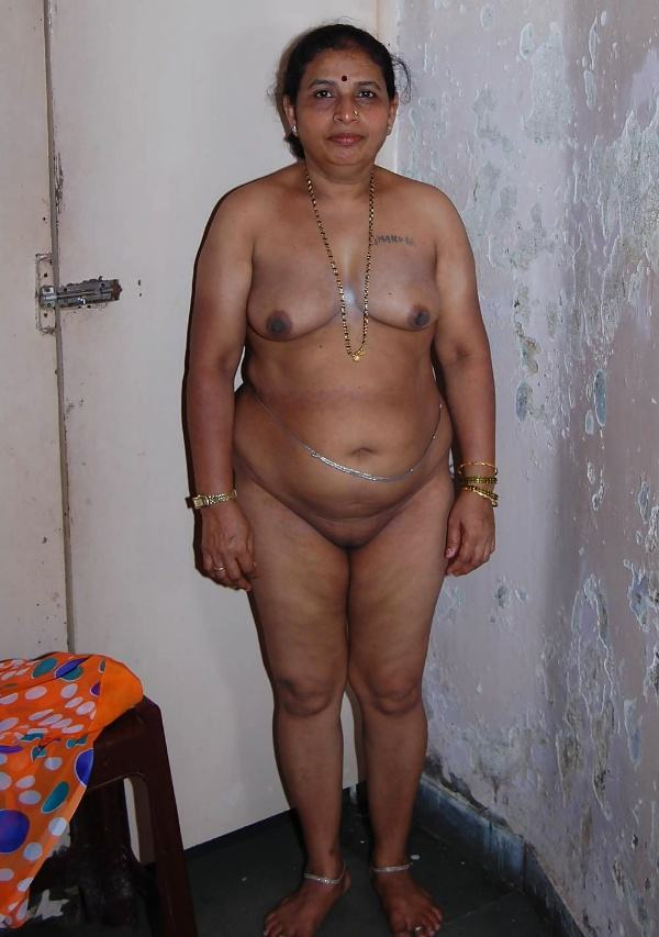 sexy indian village aunty naked photo - 44