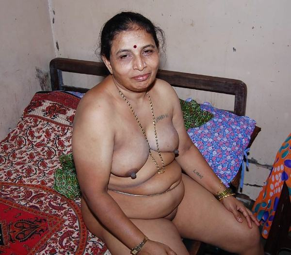 sexy indian village aunty naked photo - 45