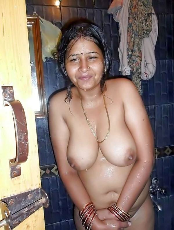 sexy indian village aunty naked photo - 48