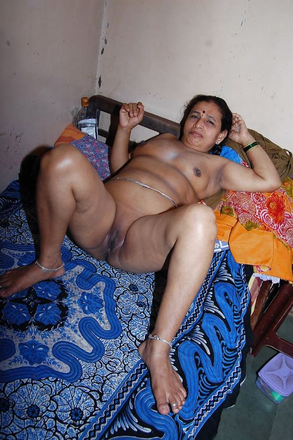 sexy indian village aunty naked photo - 54