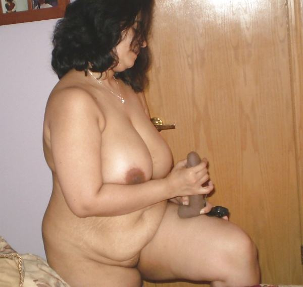 sexy indian village aunty naked photo - 9