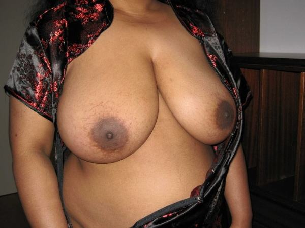 sexy nude big boobs aunties pics desi tits - 16