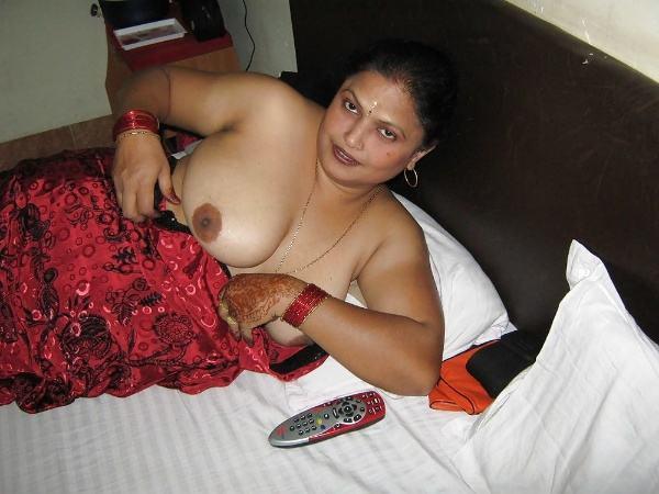 sexy nude big boobs aunties pics desi tits - 22