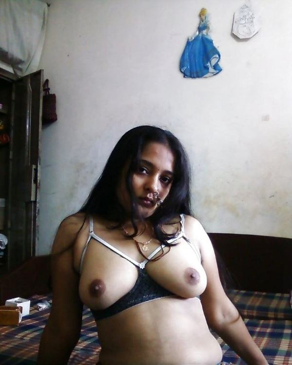 shameless indian bhabhi nude image gallery - 12