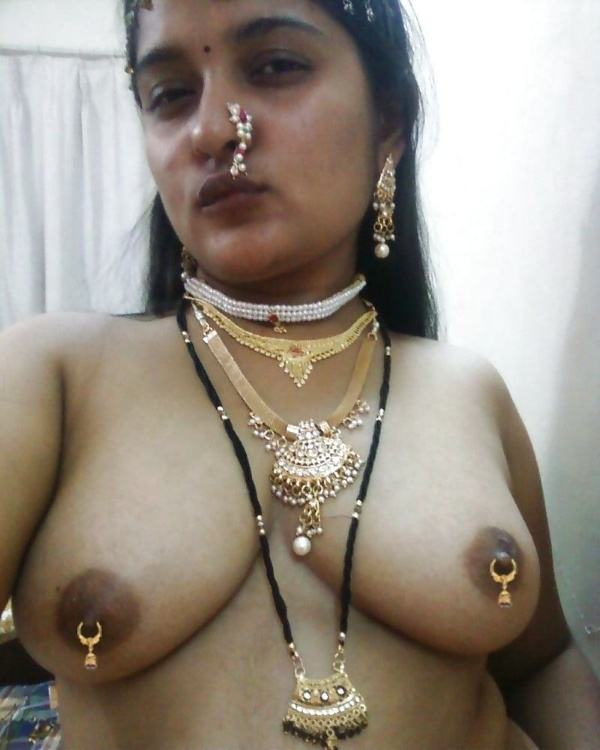 shameless indian bhabhi nude image gallery - 14