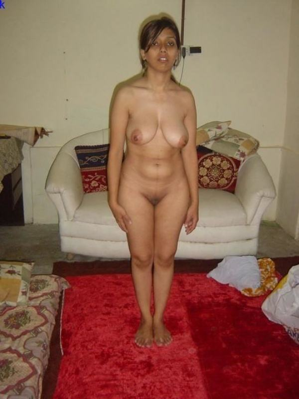 shameless indian bhabhi nude image gallery - 17
