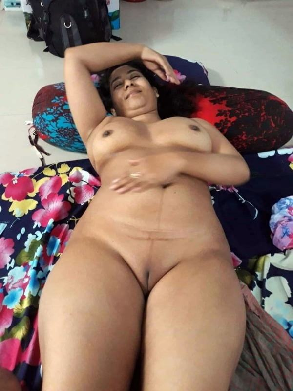 shameless indian bhabhi nude image gallery - 38