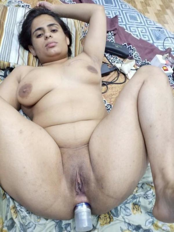 shameless indian bhabhi nude image gallery - 39