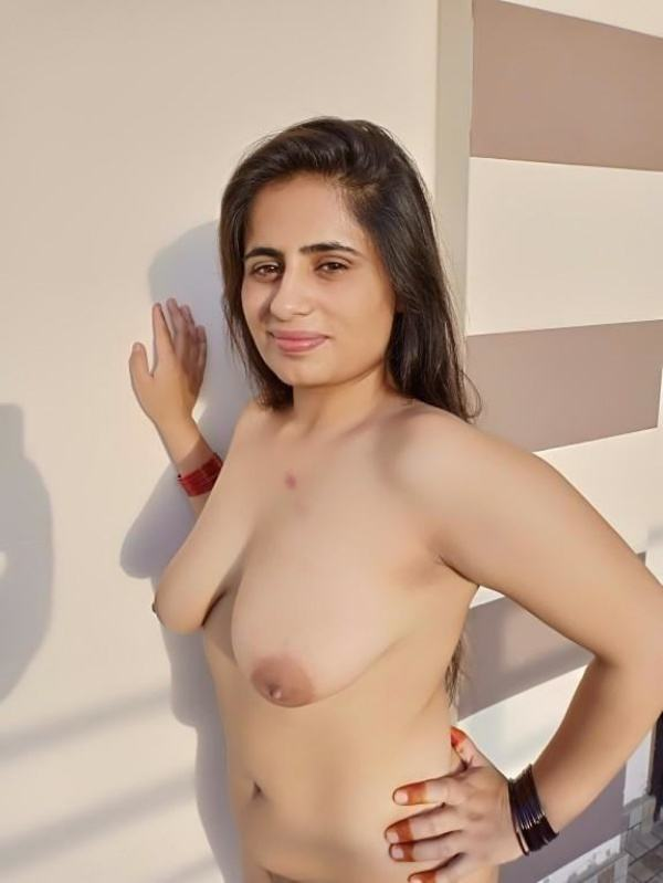 shameless indian bhabhi nude image gallery - 4