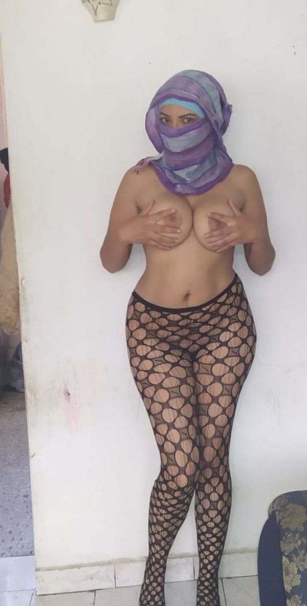 shameless indian bhabhi nude image gallery - 42