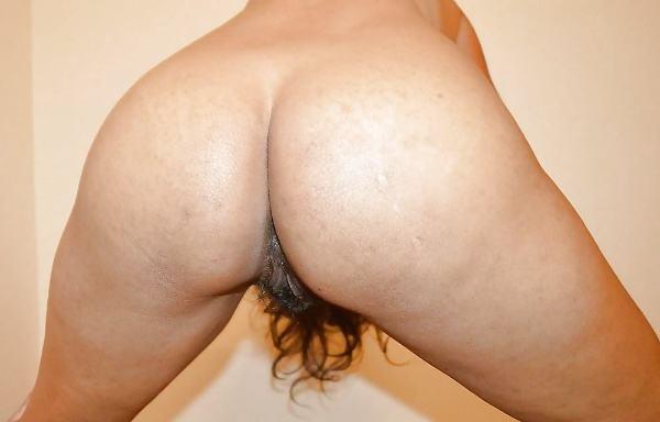 big ass desi bhabhi porn pics indian gand xxx - 1