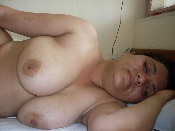 desi milf naked aunty photos aunty tits porn - 3