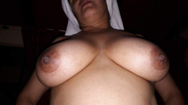 indian big tits porn pictures sexy busty women - 1