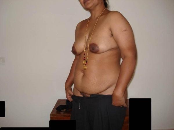mallu aunty nude sexy big juicy boobs pics - 1