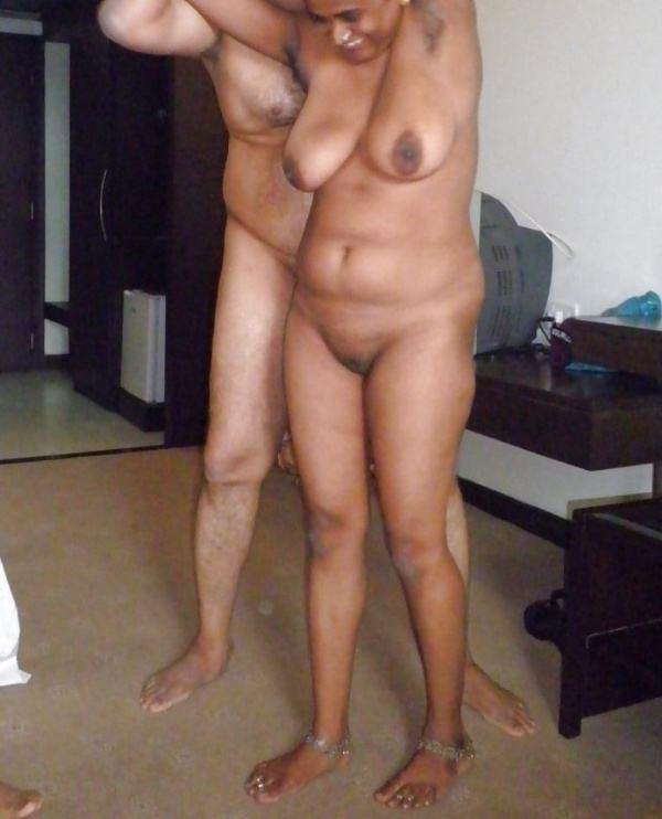mallu aunty nude sexy big juicy boobs pics - 15