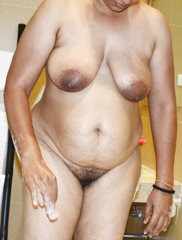 mallu aunty nude sexy big juicy boobs pics - 36