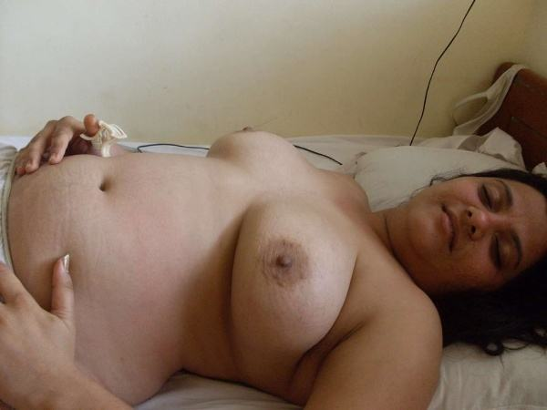 mature aunty boobs pics sexy desi juggs xxx - 2