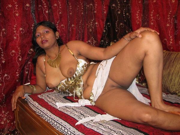 mature aunty boobs pics sexy desi juggs xxx - 37